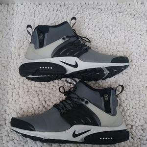 Nike Mid Utility Air Prestos